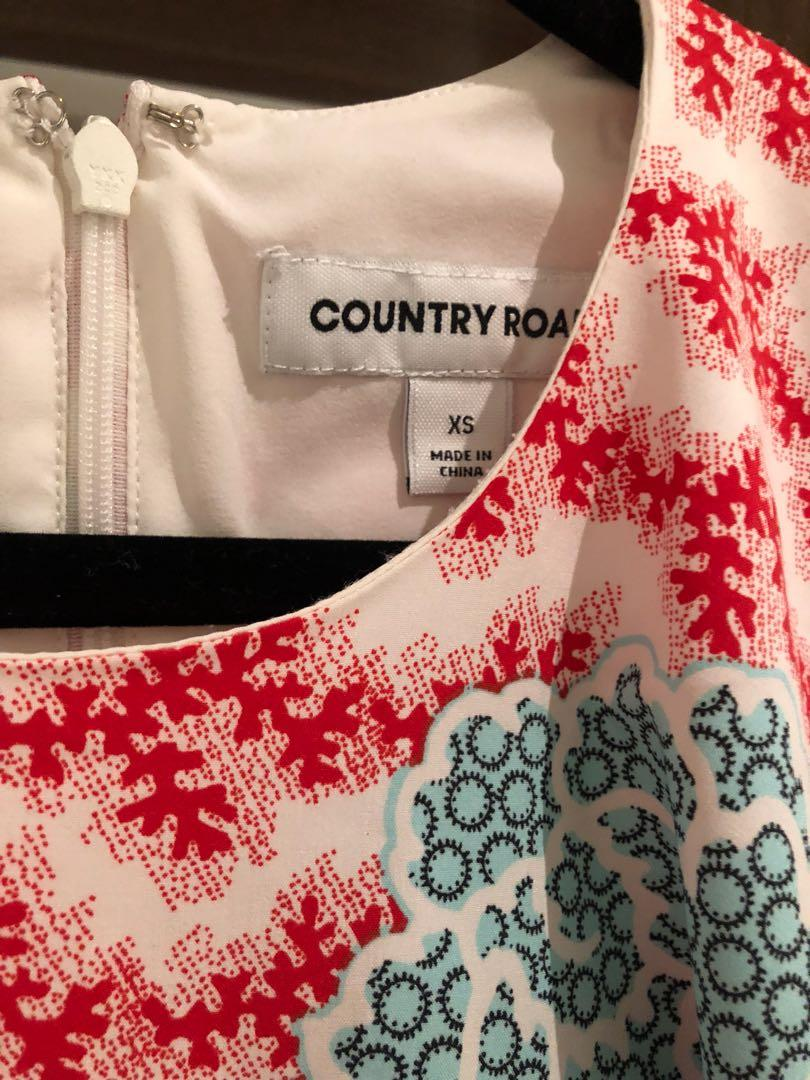 Country road flutter sleeve top