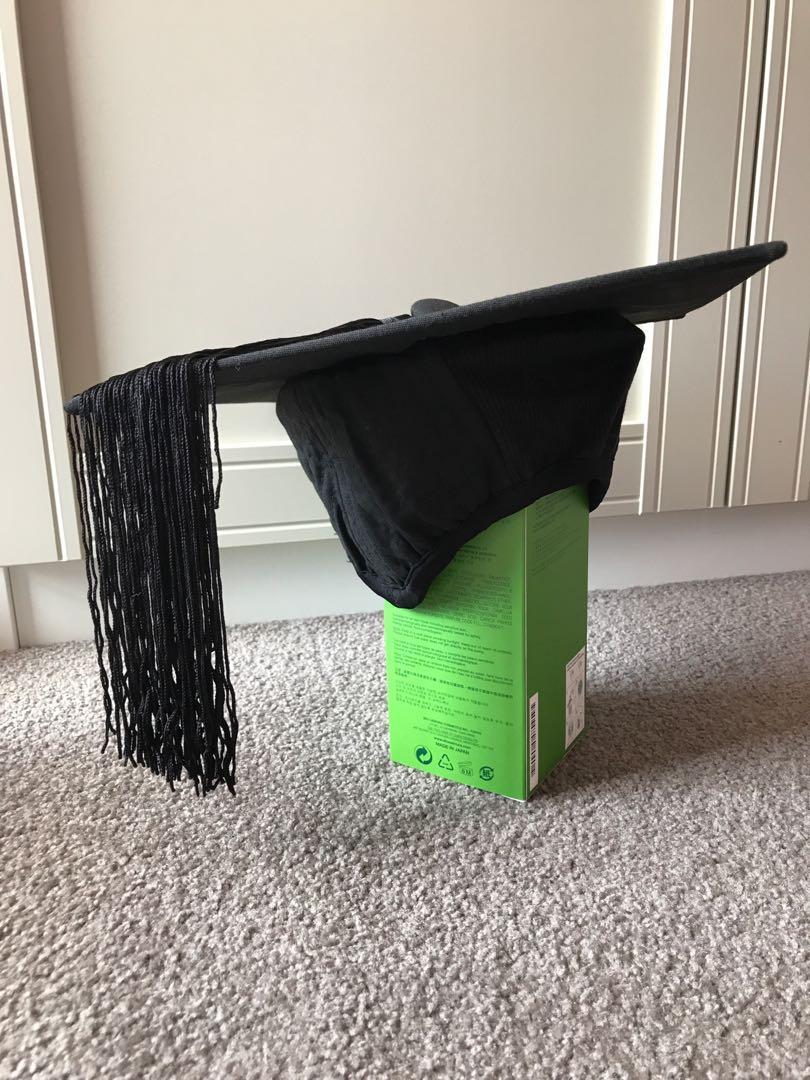 Curtin academic regalia set (bachelor of commerce)