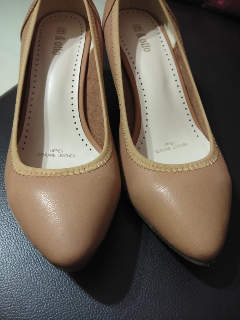 68ebe6c7af4 Itti   Otto Leather Heels - Size 37