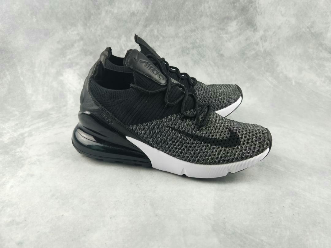 300c17a479d05 Nike Air Max 270 Oreo