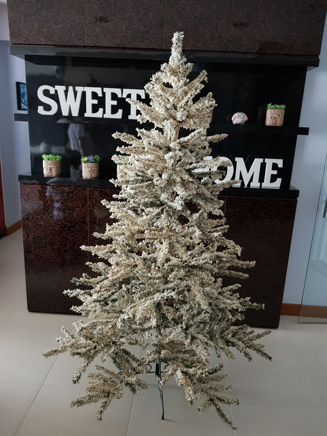 White Christmas Tree 1 8 Meter Tall Everything Else On Carousell