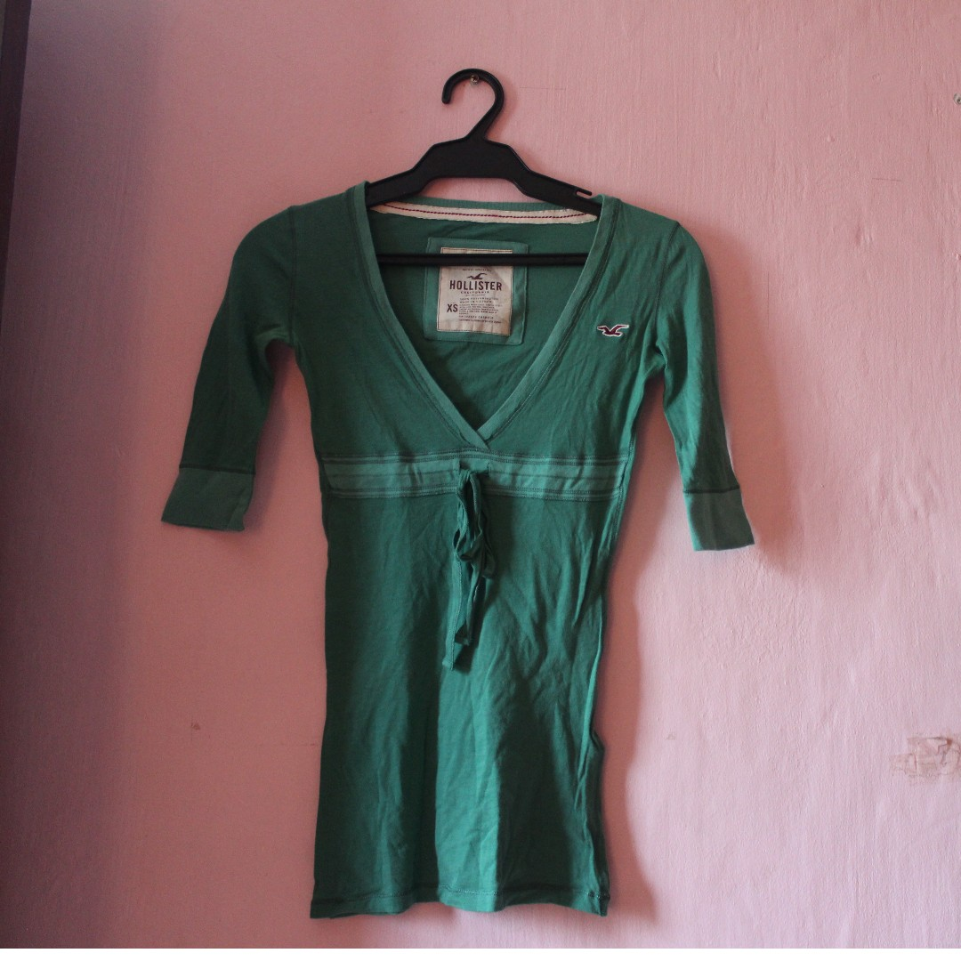 a206ee5b6 Women - GREEN HOLLISTER 3/4 BLOUSE XS, Women's Fashion, Clothes ...