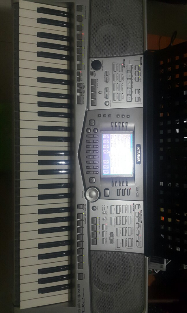 Yamaha PSR-2100 Arranger Keyboard