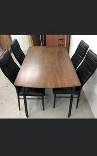 Dining table solid wood top + 4 chairs INSTOCK!