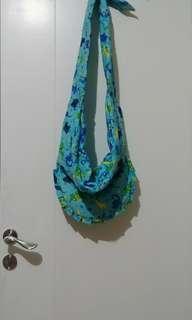 Gendongan bayi / baby sling / cukin