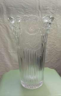 二手玻璃花樽   高10吋  樽囗闊6吋  2O元