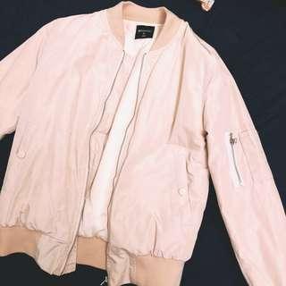 🚚 粉紅厚飛行外套