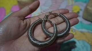 hoop earing