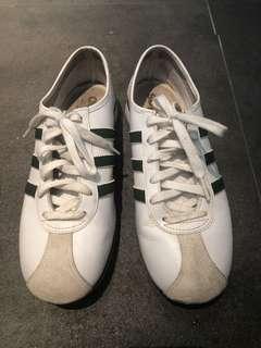Adidas vintage trainer