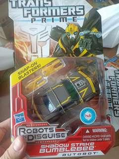 Transformers Prime Shadow Strike Bumblebee deluxe class