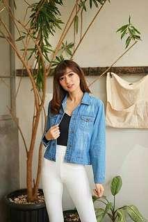 JAKET DINATA Bahan jeans washed tebal fit to L (real pic)