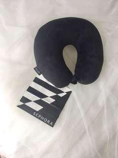 Sephora Gold Member exclusive Black Velvet Travel Pillow