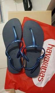 Havaianas slipper never used