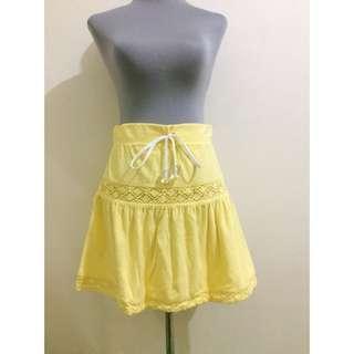 Kamiseta Yellow Skirt