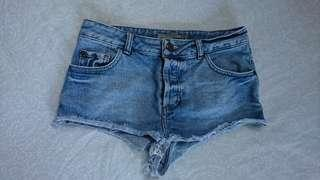 W26 topshop denim shorts
