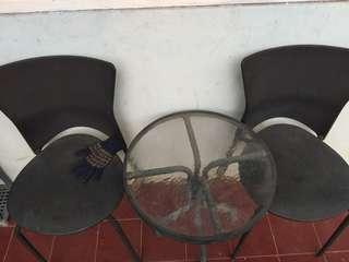 Set meja dan kursi