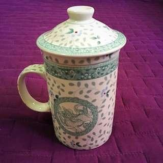 Chinese Ceramic Tea Cup with Strainer