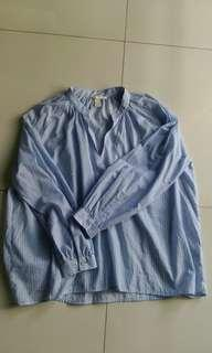 New H&M blue top
