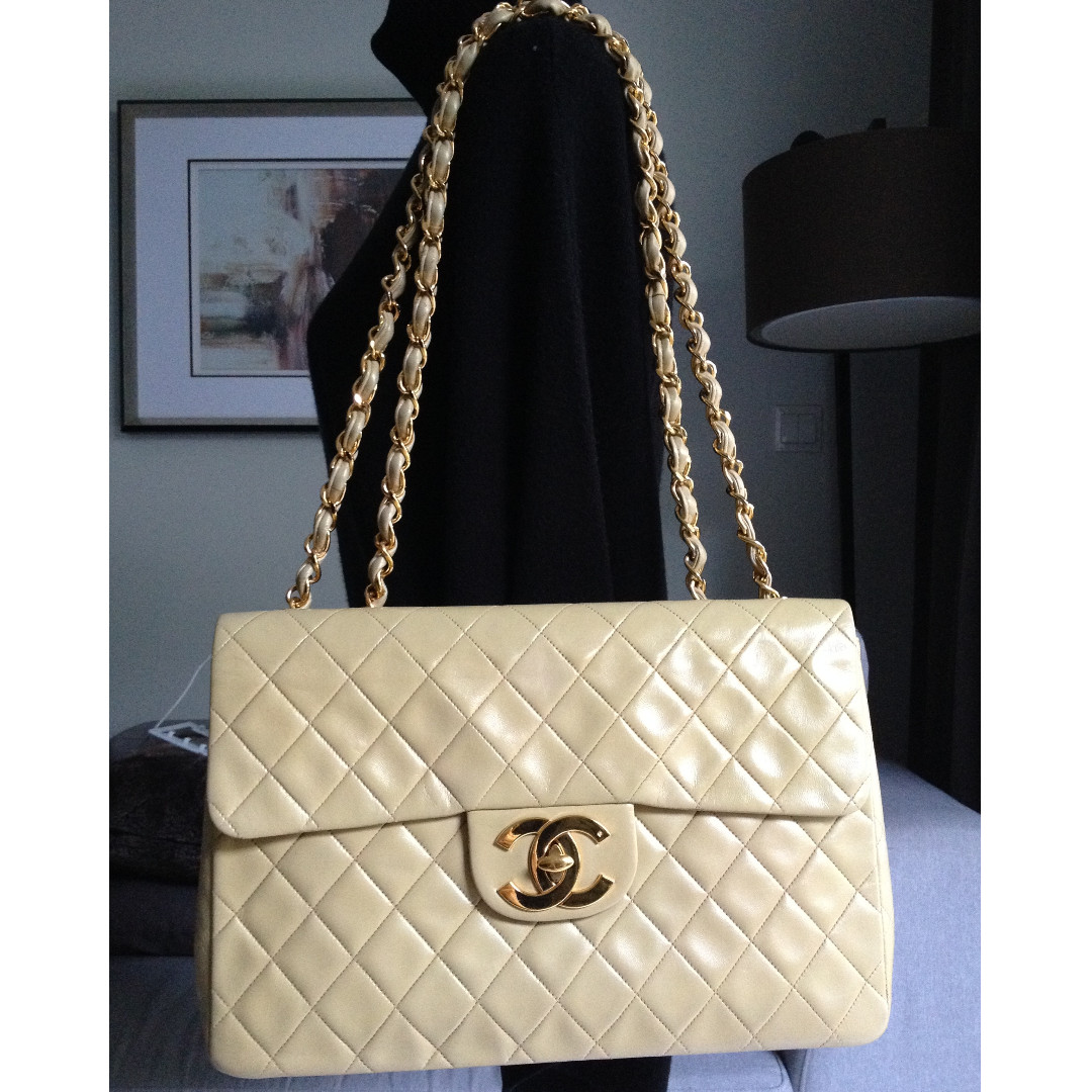 acabb64d565e 100% CHANEL Beige Gold Tone Quilted Lambskin 24K Gold Chain Maxi ...