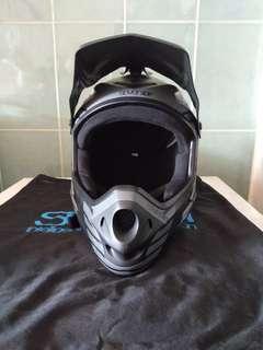 SEVEN IDP Helmet