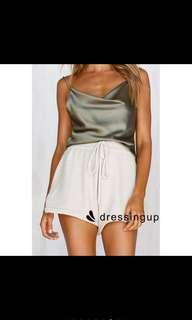 Green sleeveless backless tank top