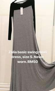 [REDUCED] Zalia basic swing dress