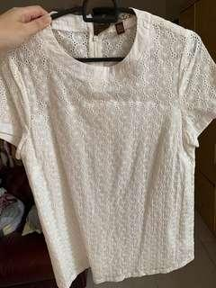 L'zzie lace white top