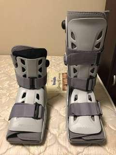 Orthopadic boot for leg injury, 1 high, 1 low