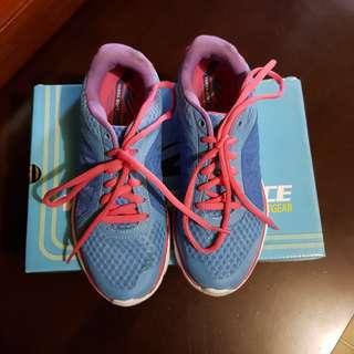 WB Spacewalk Running Shoes
