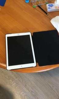 Ipad 2018 silver 32 gb with cover