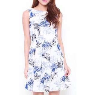 🚚 Leaf Printed Dress In White
