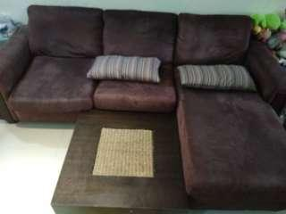 L-shaped fabric sofa set (Price revised incl delivery)