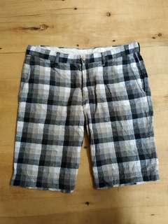 UNIQLO short pants