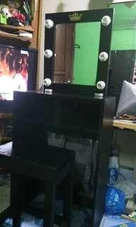 Vanity mirror and table