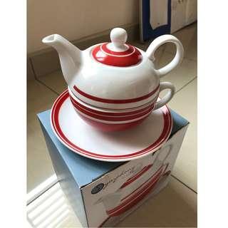 Red & White Tea Pot Set