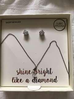 Lovisa diamond necklace and earing