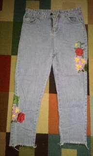 Jeans Bunga