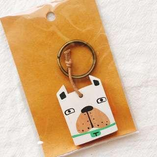 🚚 BNIB Wooden Illustrated Bulldog Key Ring Key Chain