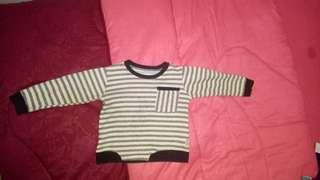 Atasan sweater garis garis