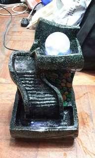 轉運流水,水晶球旋轉石二手八成新有藍綠燈高10寸闊6寸深5.5寸西貢區