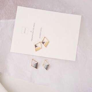 [po] diamond geometric earrings