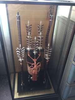 Japanese bow n arrow display
