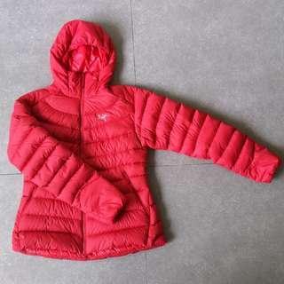 BRAND NEW Arc'teryx women's winter down jacket
