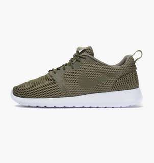 brand new 96ae5 18f33 BNIB Nike Roshe One Hyperfuse BR Med Olive  White Sneakers