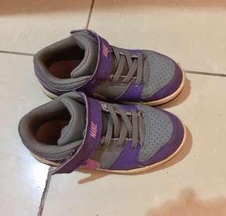 Nike shoes for 3-4yo