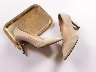 VINCE CAMUTO NUDE SNAKE SKIN SUEDE LEATHER HEELS