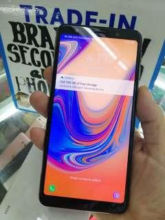 SAMSUNG A7 2018 almost new
