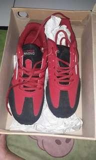 Sepatu spech ukuran 37