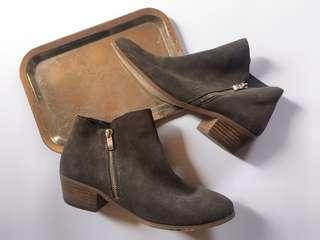 RIVER ISLAND GREY SUEDE SIDE ZIPPED ANKLE BOOTS