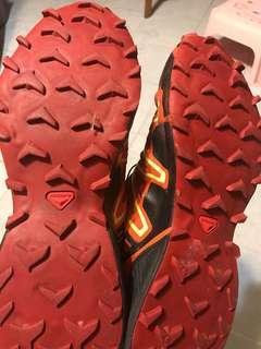 Salomon行山鞋/跑山鞋